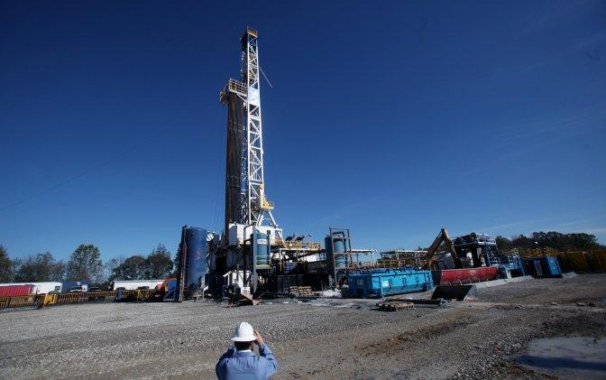 shale-gas-drill
